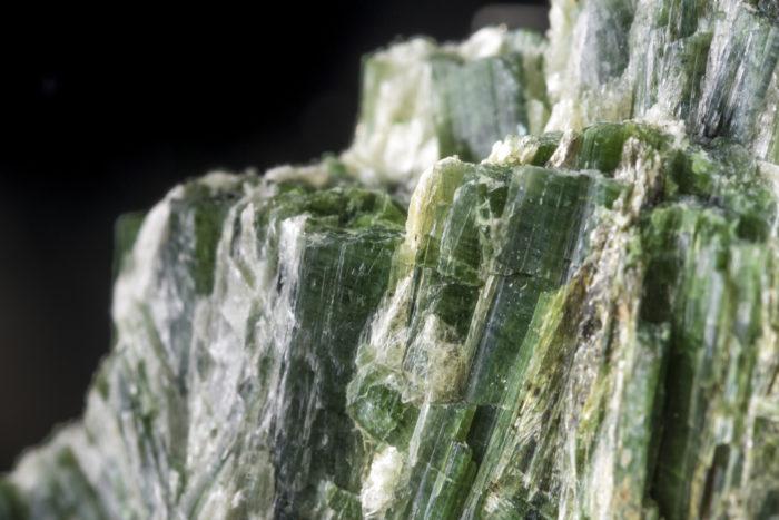 緑閃石(アクチノライト)〈アメリカ・カリフォルニア州産〉−3